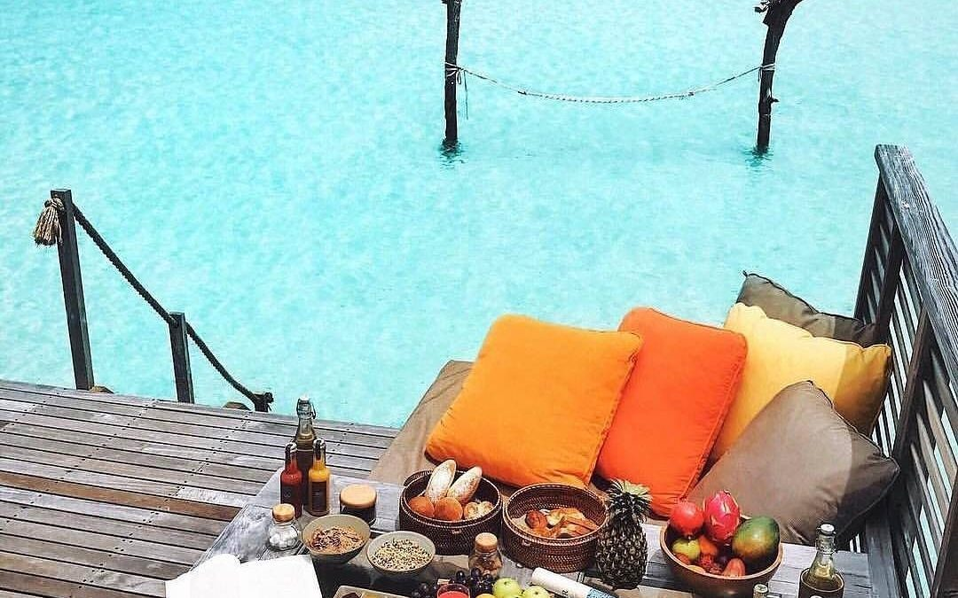 """If you can dream it, you can certainly achieve it. So visualize the future and what your life is going to look like, keep that in mind while you're on that work grind. Will """"future you"""" be having breakfast in a cabana in the water? 🏖"""